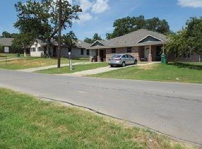 Springtown Multi Family Home For Sale: 300 N Avenue E