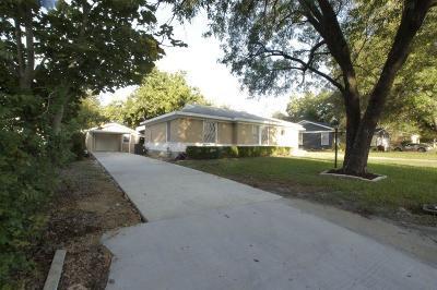 Haltom City Single Family Home For Sale: 3109 Meadow Oaks Drive