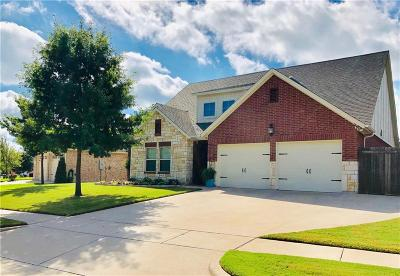 Benbrook Single Family Home For Sale: 417 Sterling Drive