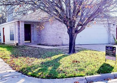 Fort Worth Single Family Home For Sale: 10525 Flamewood Drive