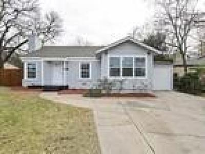 Single Family Home For Sale: 6433 Calmont Avenue
