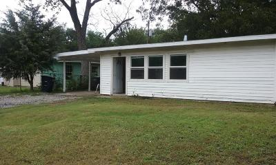 Fort Worth Single Family Home For Sale: 2805 Langston Street