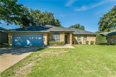 North Richland Hills Residential Lease For Lease: 7925 Lynda Lane