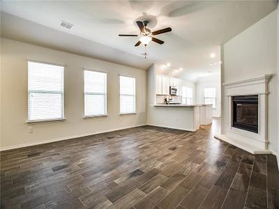 Fort Worth Single Family Home For Sale: 5833 Dew Plant Way