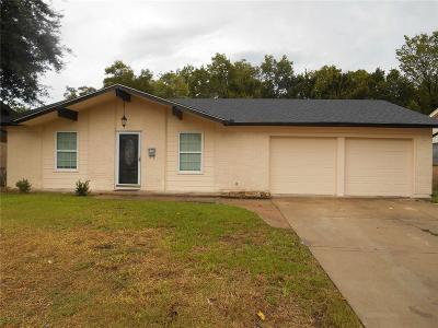 Grand Prairie Single Family Home For Sale: 609 San Pedro Street