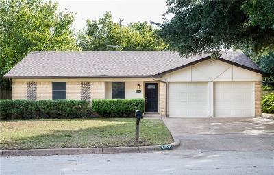 Benbrook Single Family Home For Sale: 1708 Tobie Layne Street