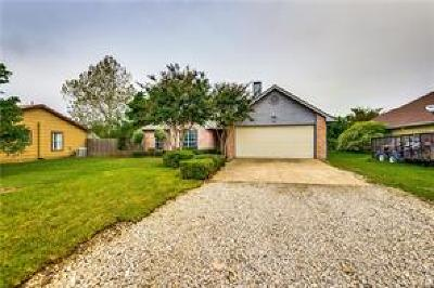 Denton County Single Family Home For Sale: 616 Stagecoach Drive