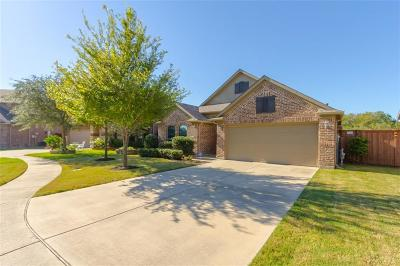 Garland Single Family Home For Sale: 4543 Forest Bend Court