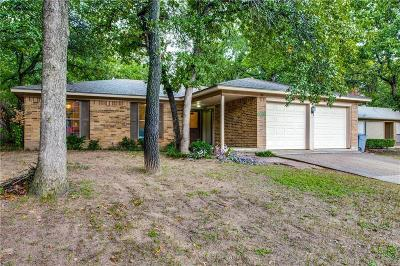 Azle Single Family Home For Sale: 737 Timberoaks Drive