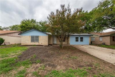 Haltom City Single Family Home For Sale: 4813 Jordan Park Drive