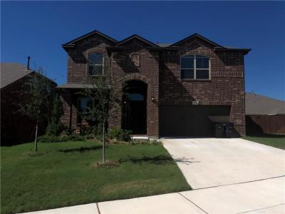 Fort Worth Single Family Home For Sale: 2820 Saddle Creek Drive