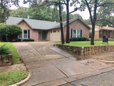 Bedford Single Family Home For Sale: 3733 Hackberry Lane
