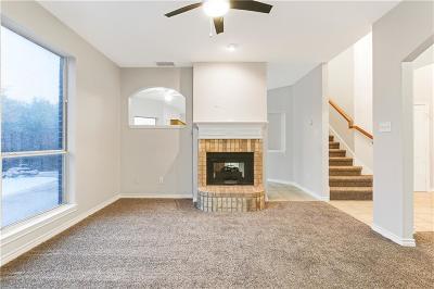 Haltom City Single Family Home For Sale: 5116 Roundtree Court