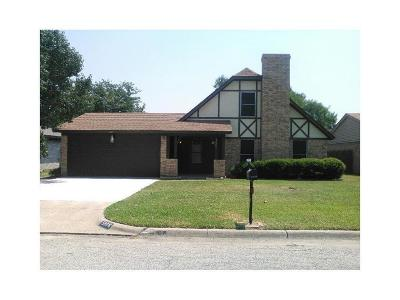 Tarrant County Single Family Home For Sale: 5808 Denise Drive