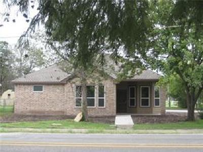 Denton County Single Family Home For Sale: 103 S 5th