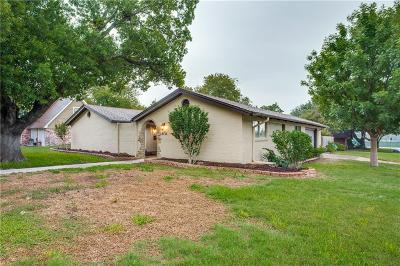 Benbrook Single Family Home For Sale: 8133 Rush Street