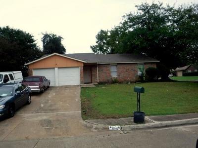 Grand Prairie Single Family Home For Sale: 2046 Sheriff Drive