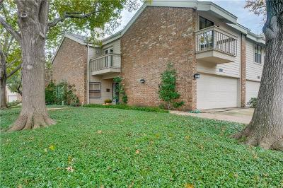 Townhouse For Sale: 6734 E Northwest Highway