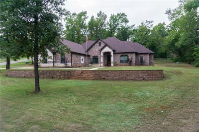 Lindale Single Family Home For Sale: 15857 Crazy Horse Drive