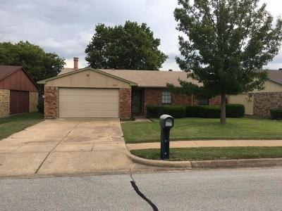 North Richland Hills Residential Lease For Lease: 6925 Glenhurst Drive