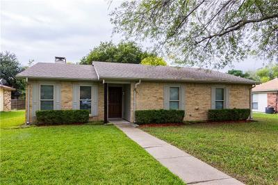 Garland Single Family Home For Sale: 921 Navasota Drive