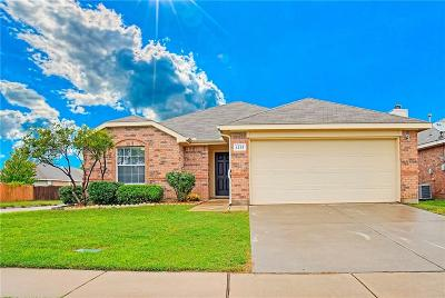Fort Worth Single Family Home For Sale: 1212 Round Pen Run