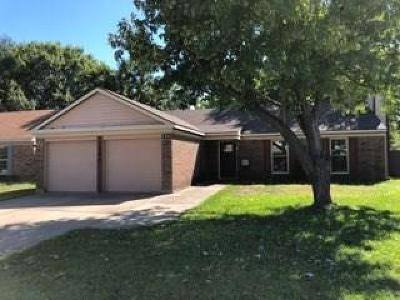 Arlington Single Family Home For Sale: 1702 Crimson Court