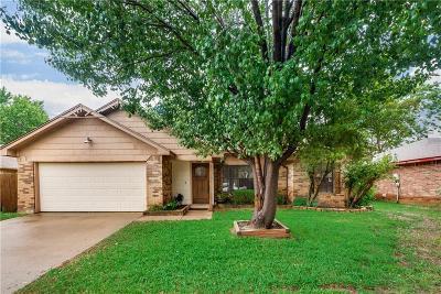 Bedford Single Family Home For Sale: 2012 Cedar Grove Lane