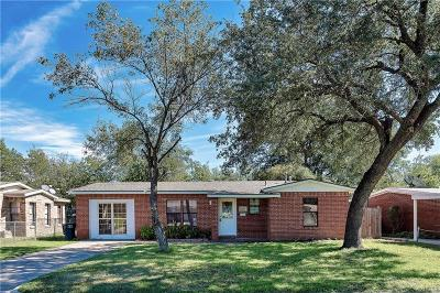 Fort Worth TX Single Family Home For Sale: $139,000