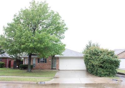 Arlington Residential Lease For Lease: 1117 Edenbrook Drive