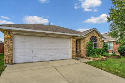 Fort Worth Single Family Home For Sale: 8445 Ranch Hand Trail