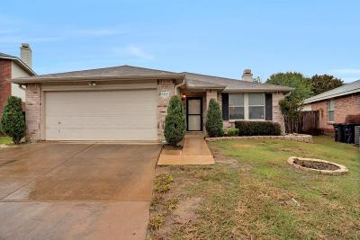 Fort Worth Single Family Home For Sale: 5333 Temecula Road