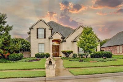 North Richland Hills Single Family Home Active Contingent: 8217 Thornhill Drive