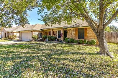 North Richland Hills Single Family Home For Sale: 5720 Puerto Vallarta Drive