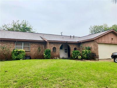 Euless Single Family Home For Sale: 1711 Tyler Avenue