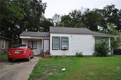 Fort Worth Single Family Home For Sale: 5179 Erath Street