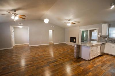 Grapevine Residential Lease For Lease: 909 N Dove Road