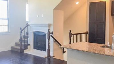 Lewisville Townhouse For Sale: 2422 Magalia Lane