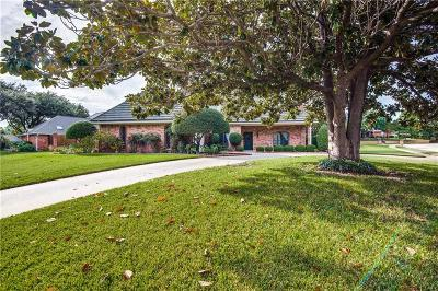 Bedford Single Family Home For Sale: 3701 Hillwood Way