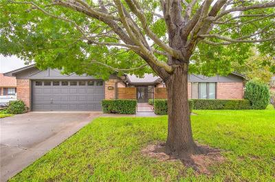 Granbury Single Family Home For Sale: 708 Tahiti Drive