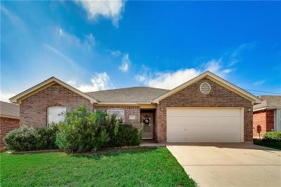 White Settlement Single Family Home Active Option Contract: 9309 Rhea Court