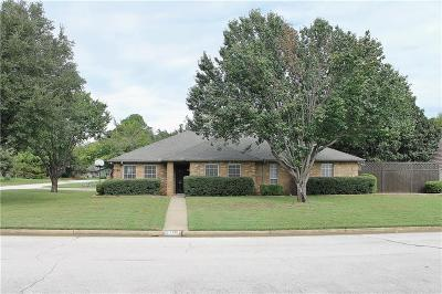 Grapevine Single Family Home For Sale: 2146 Westwood Terrace