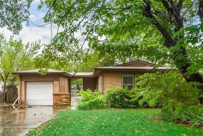 Haltom City Single Family Home For Sale: 3133 Meadow Oaks Drive