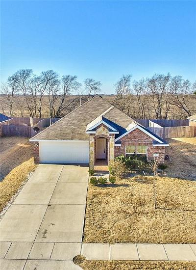 Forney TX Single Family Home For Sale: $220,000