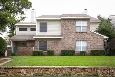 Lewisville Townhouse For Sale: 819 Creekside Drive