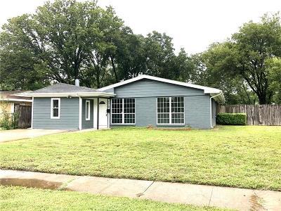 Single Family Home For Sale: 2519 Maverick Avenue
