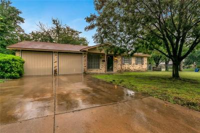 Everman Single Family Home For Sale: 620 Christie Court