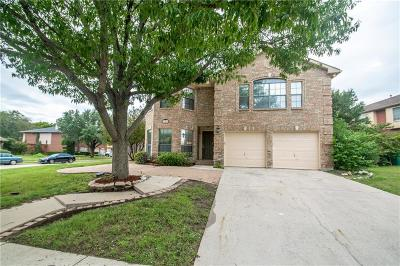 Lewisville Single Family Home For Sale: 900 Birkshire Drive