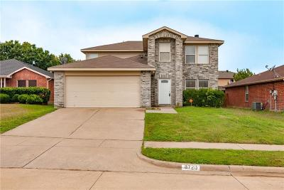 Fort Worth Single Family Home For Sale: 8720 Saddle Ridge Circle