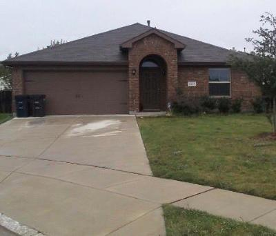 Fort Worth Single Family Home For Sale: 2601 Stonewall Lane